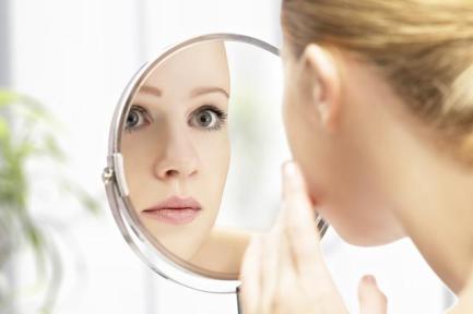 7-mitos-del-acne-en-adultos-que-debes-conocer